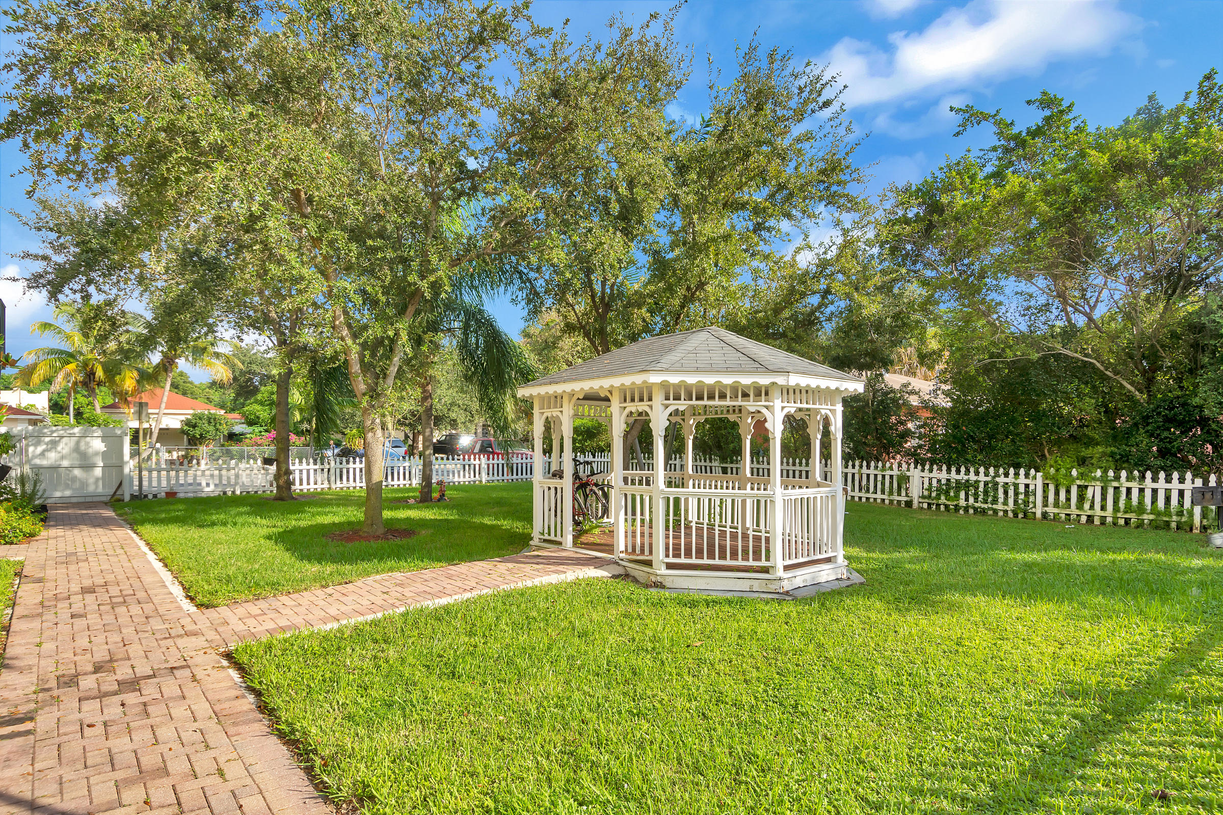 707  6th Avenue 1101,  FL 33460 is listed for sale as MLS Listing RX-10574418 photo #12
