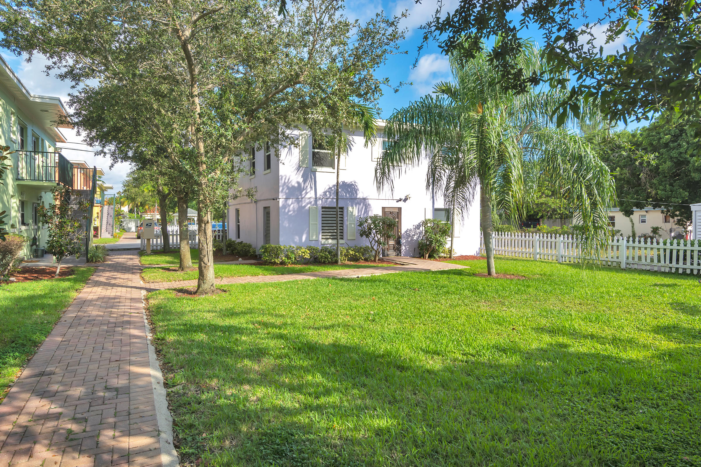 707  6th Avenue 1101,  FL 33460 is listed for sale as MLS Listing RX-10574418 photo #10