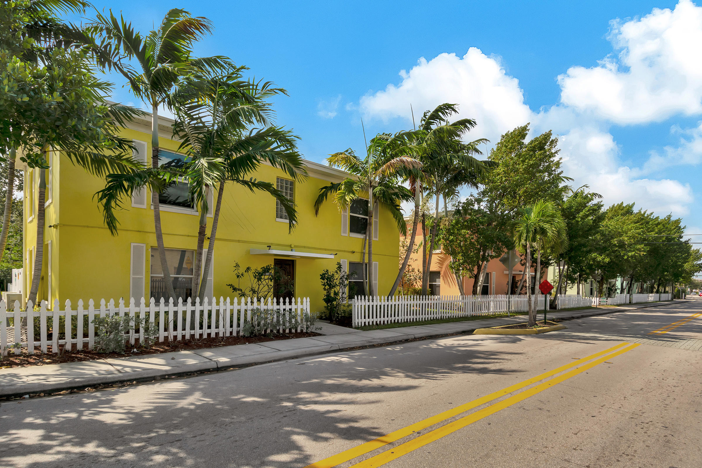707  6th Avenue 1101,  FL 33460 is listed for sale as MLS Listing RX-10574418 photo #2