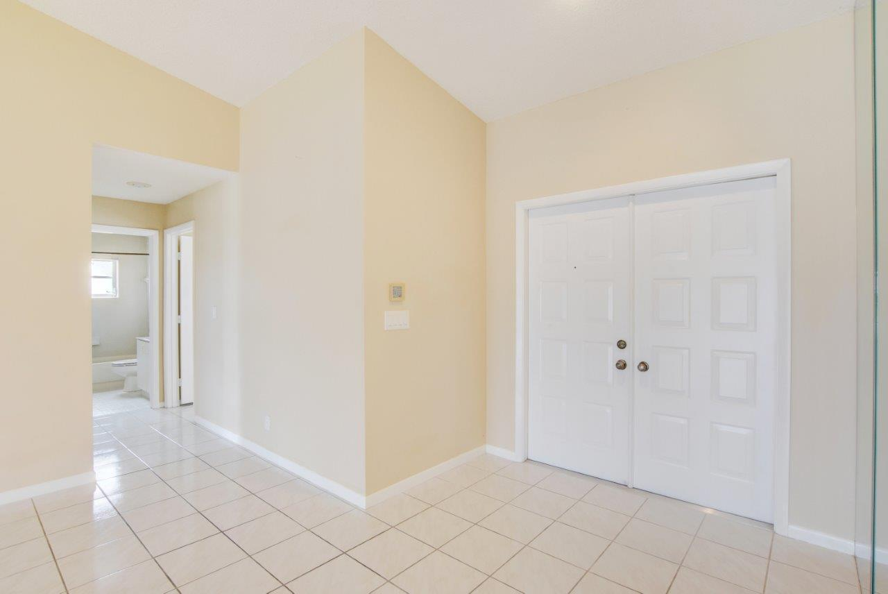 4020 Summer Chase Court Lake Worth, FL 33467 small photo 4