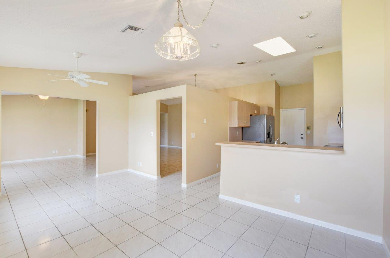 4020 Summer Chase Court Lake Worth, FL 33467 small photo 16