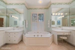 11395  Golfview Lane , North Palm Beach FL 33408 is listed for sale as MLS Listing RX-10574392 photo #12