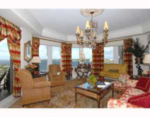 622 N Flagler Drive 701, West Palm Beach FL 33401 is listed for sale as MLS Listing RX-10574429 photo #1