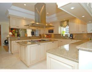 622 N Flagler Drive 701, West Palm Beach FL 33401 is listed for sale as MLS Listing RX-10574429 photo #7
