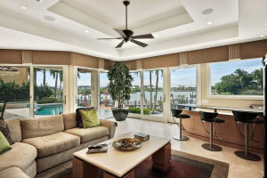 121  Commodore Drive , Jupiter FL 33477 is listed for sale as MLS Listing RX-10574506 photo #8