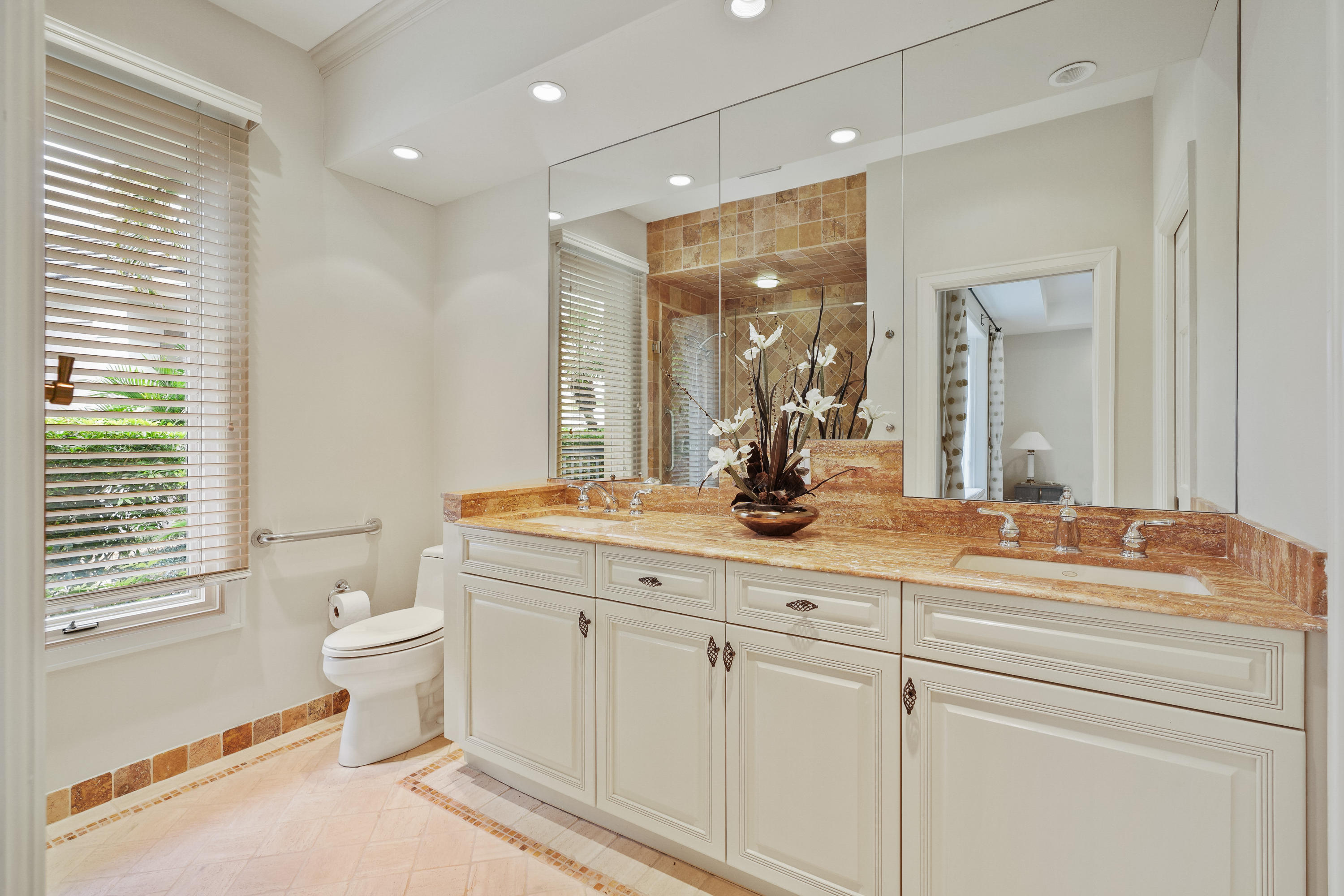 121  Commodore Drive , Jupiter FL 33477 is listed for sale as MLS Listing RX-10574506 photo #30