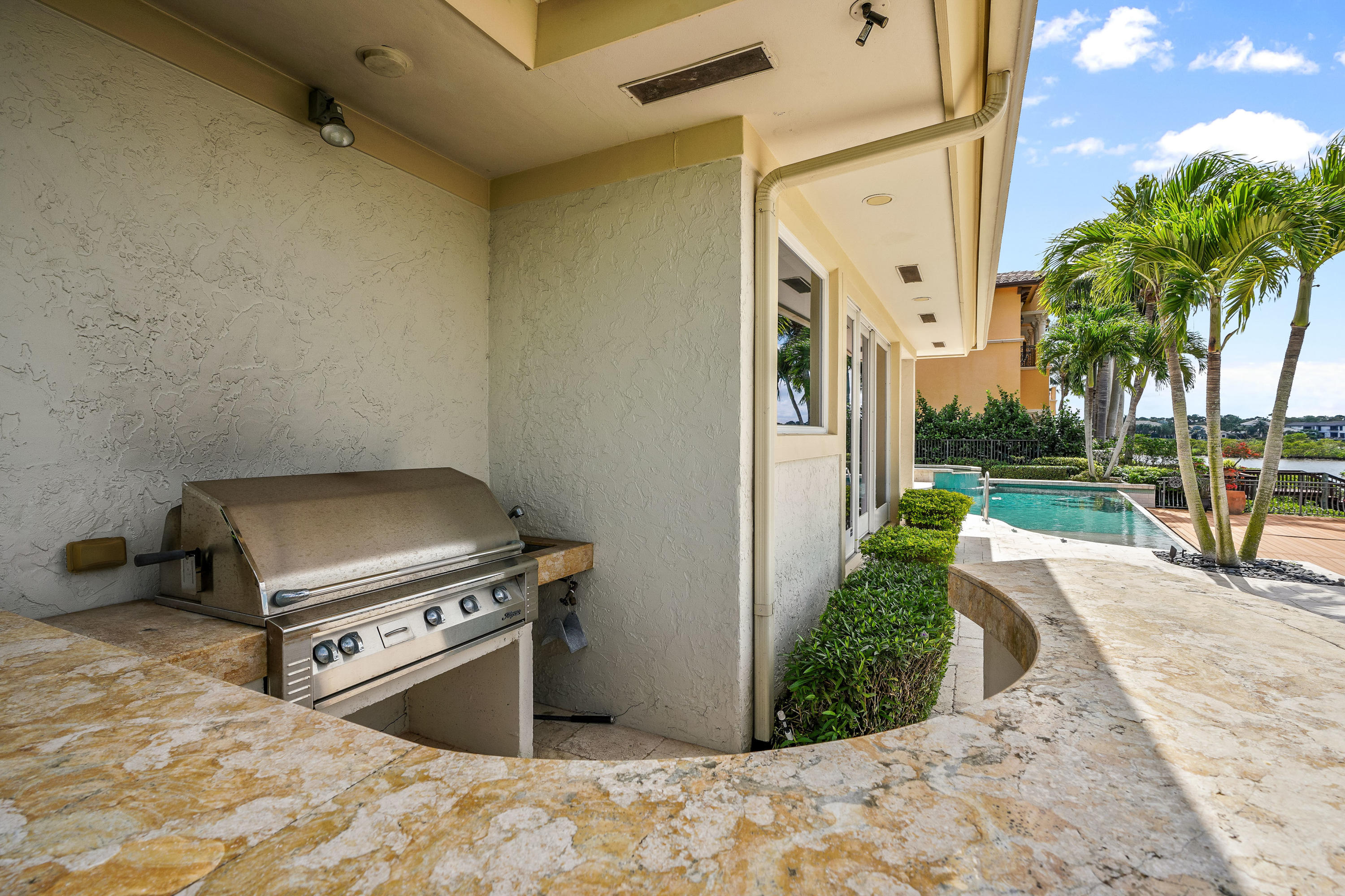 121  Commodore Drive , Jupiter FL 33477 is listed for sale as MLS Listing RX-10574506 photo #33