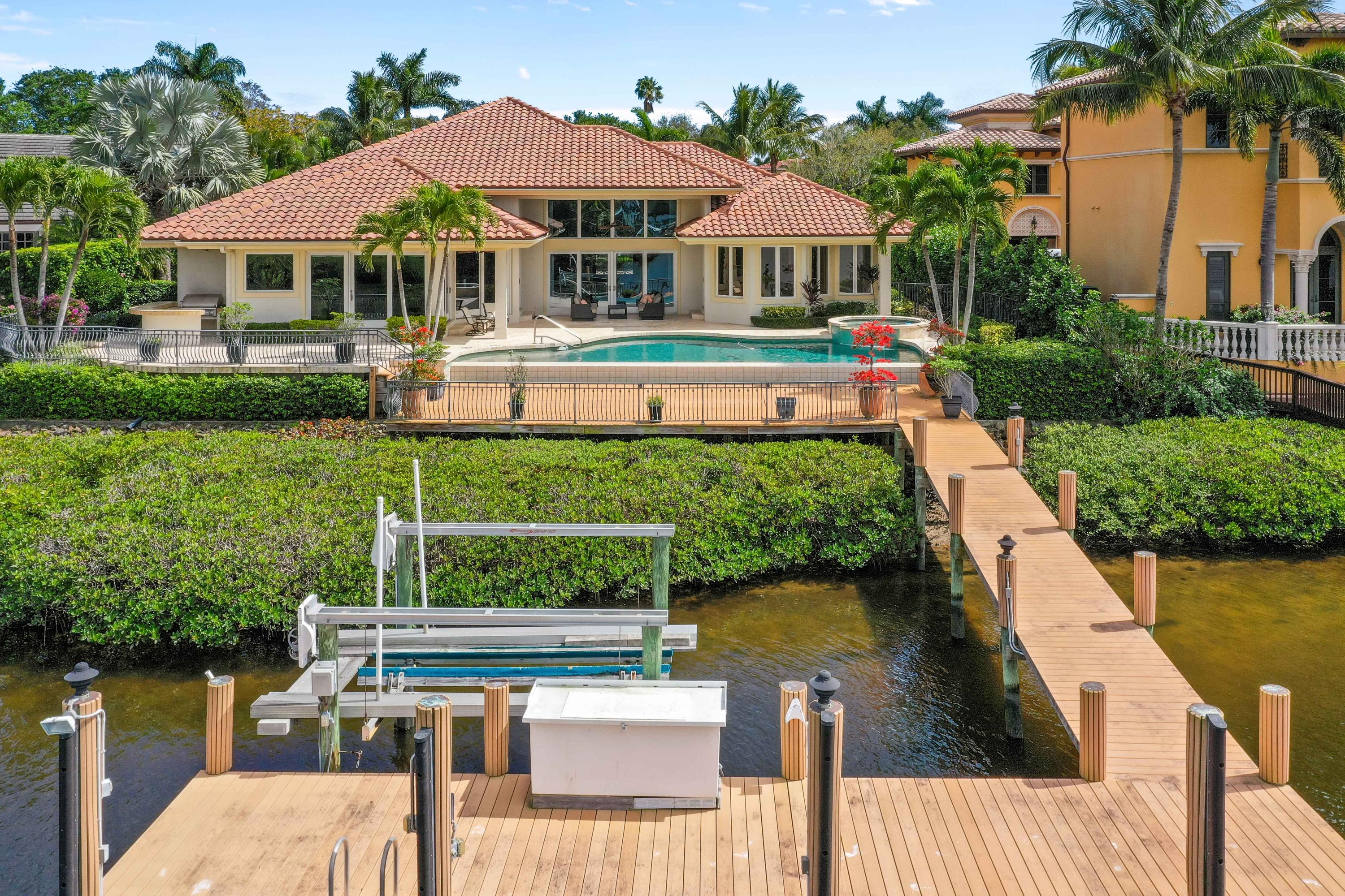 121  Commodore Drive , Jupiter FL 33477 is listed for sale as MLS Listing RX-10574506 photo #39