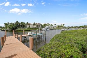 121  Commodore Drive , Jupiter FL 33477 is listed for sale as MLS Listing RX-10574506 photo #41