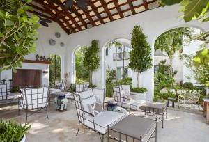 320  Island Road , Palm Beach FL 33480 is listed for sale as MLS Listing RX-10574531 photo #7