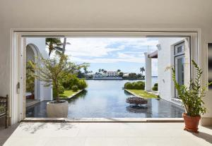 320  Island Road , Palm Beach FL 33480 is listed for sale as MLS Listing RX-10574531 photo #4