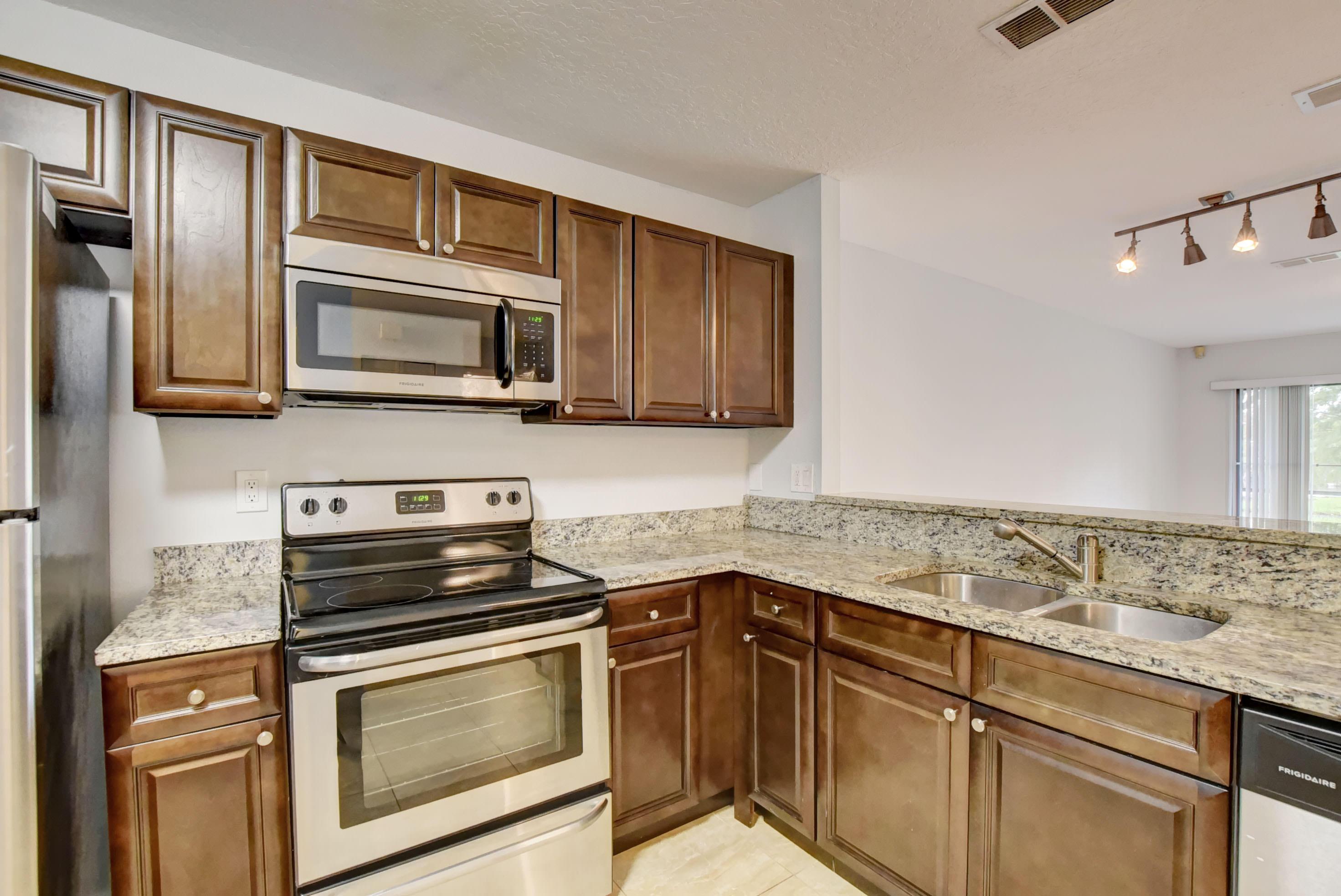 1627 Woodbridge Lakes Circle West Palm Beach, FL 33406