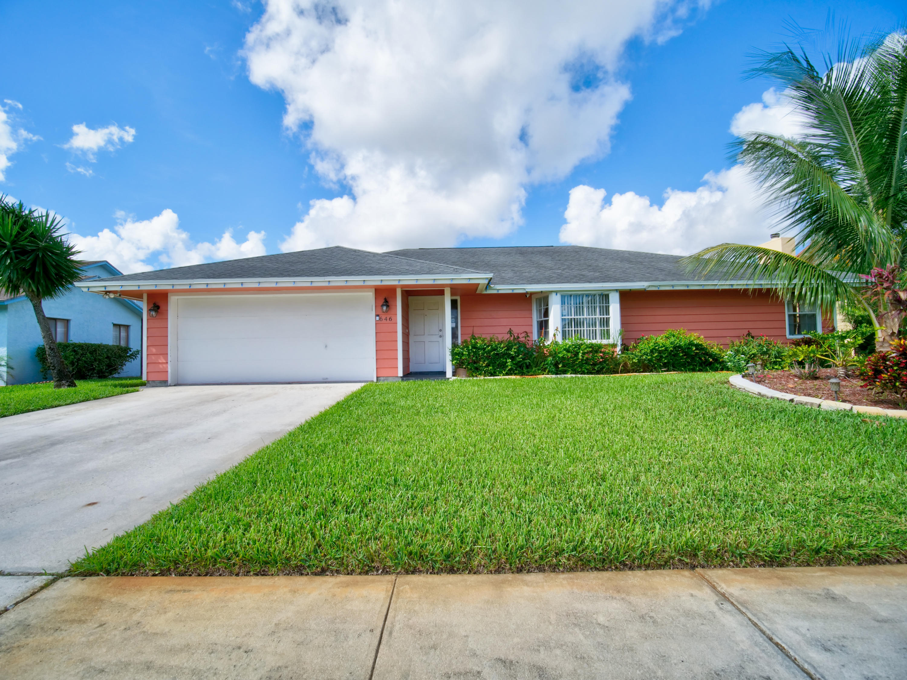 646 White Water Drive West Palm Beach, FL 33413