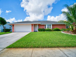 646  White Water Drive  For Sale 10575125, FL