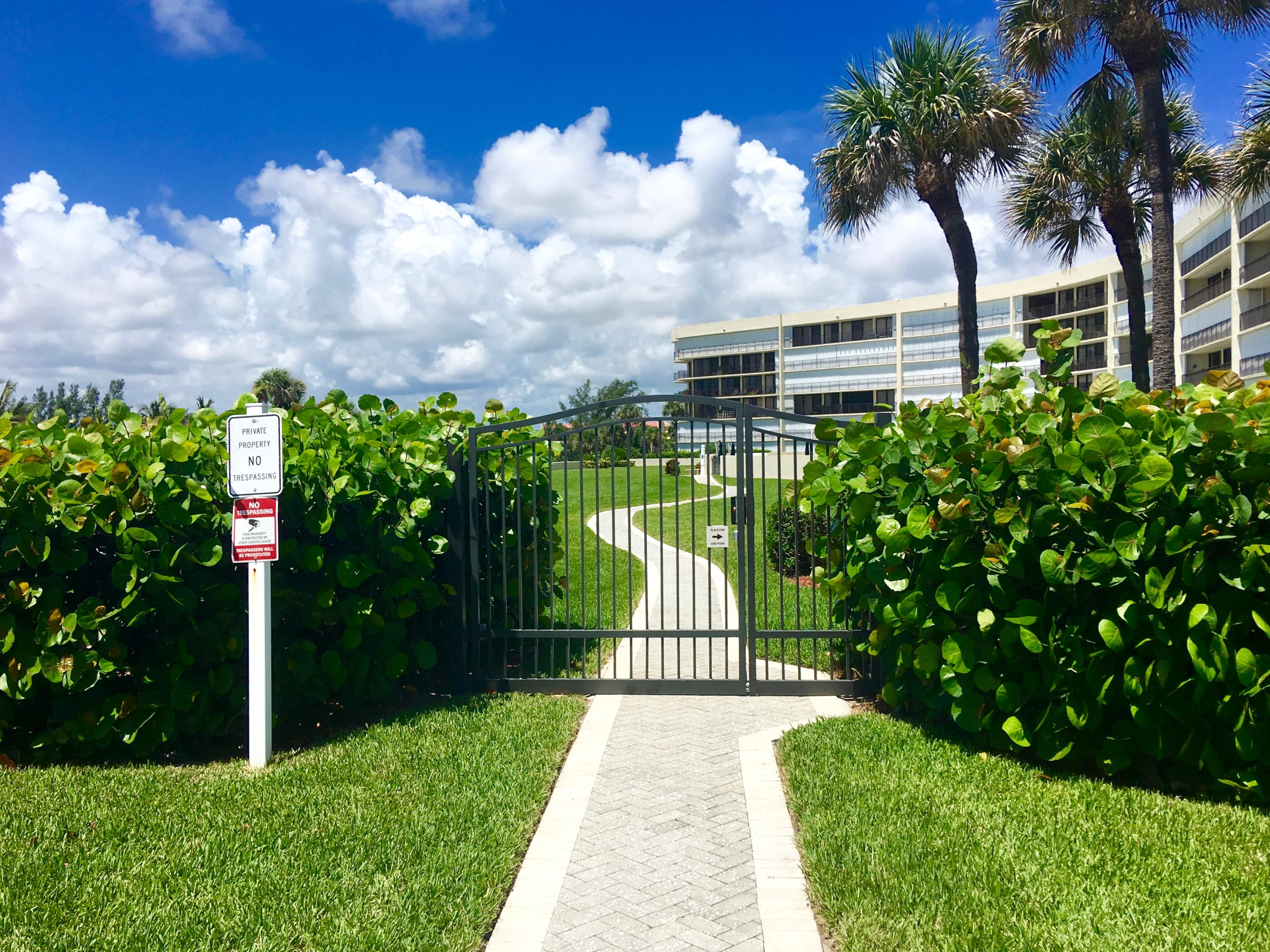 Home for sale in oceancrest condo apts Jupiter Florida