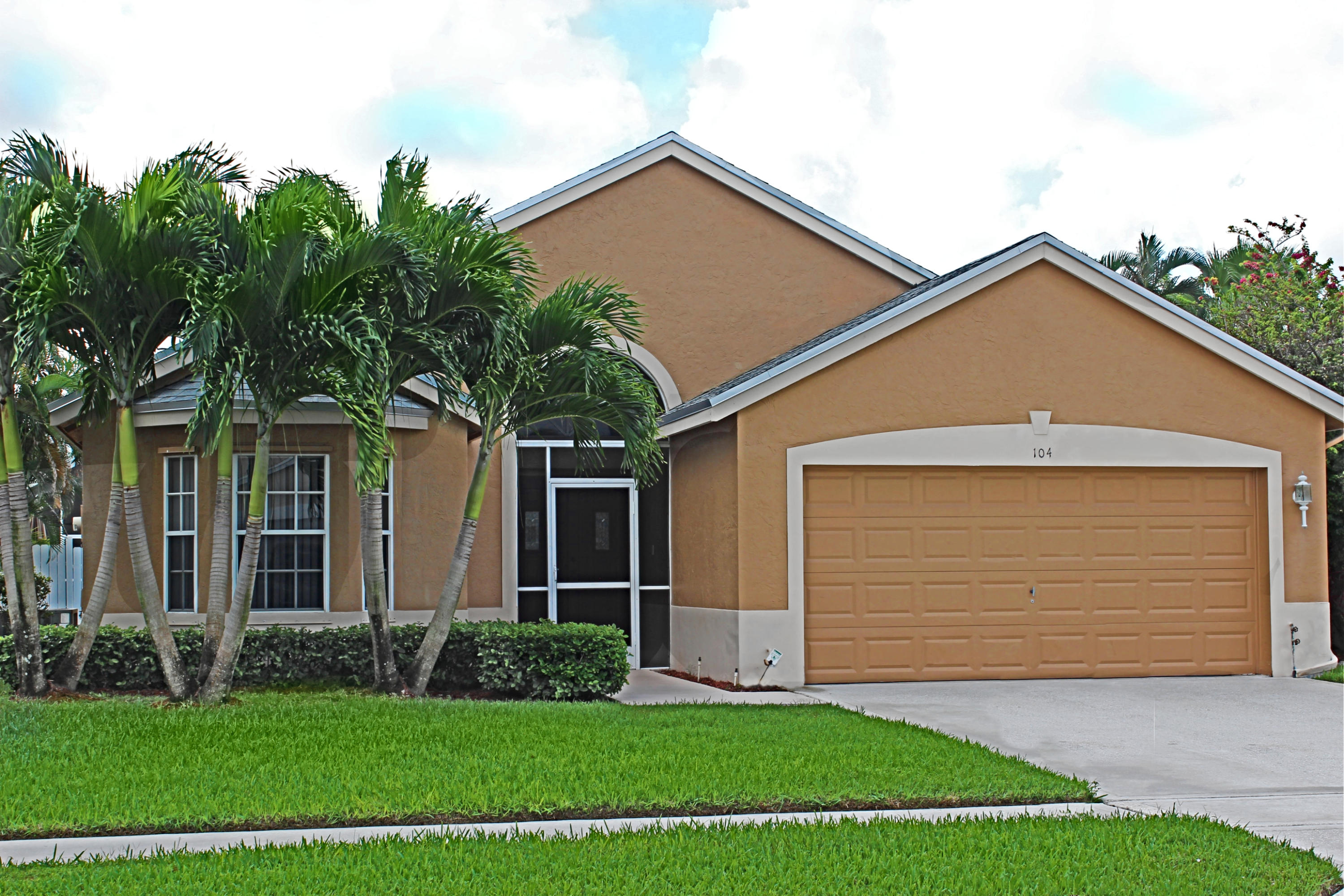 104 Saddle Trail Royal Palm Beach, FL 33411 photo 2