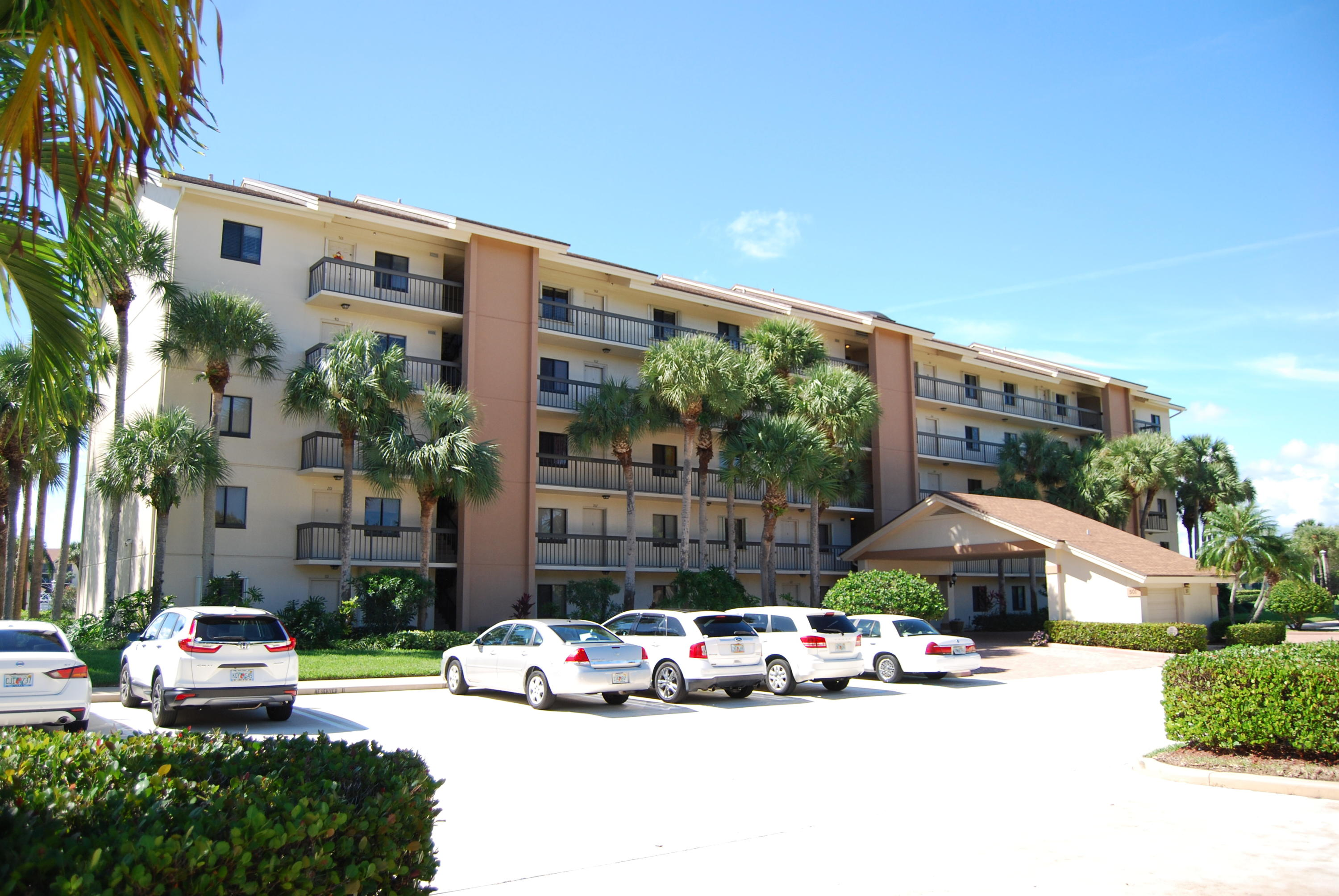 Home for sale in marina at the bluffs condo Jupiter Florida
