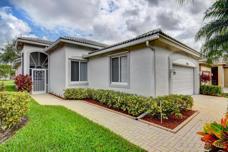 2420 Sapphire Circle West Palm Beach, FL 33411