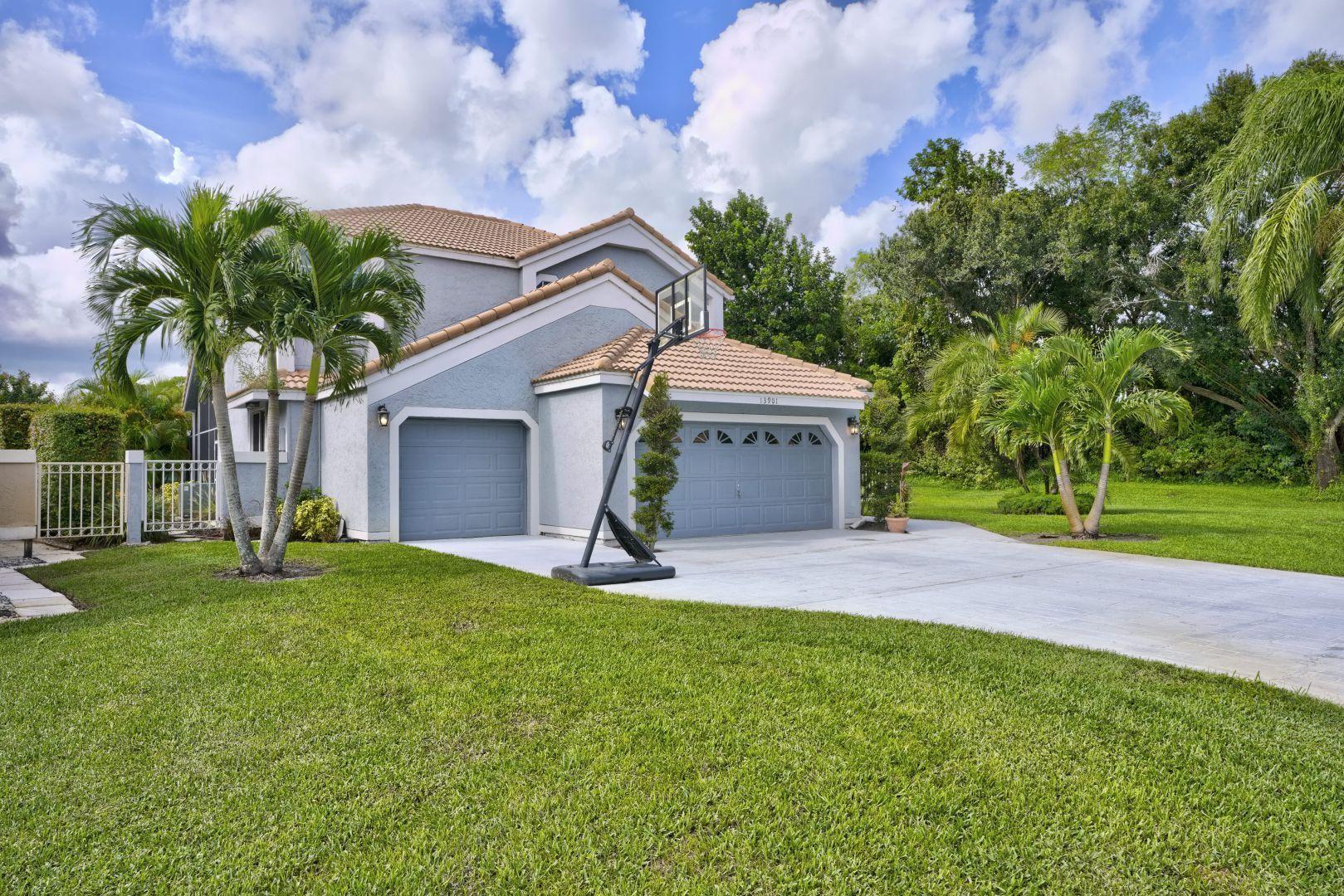 13901 Palm Grove Place Palm Beach Gardens, FL 33418 photo 3