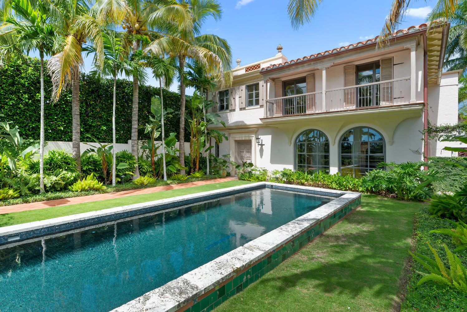 9 Golfview Road, Palm Beach, Florida 33480, 4 Bedrooms Bedrooms, ,4 BathroomsBathrooms,Rental,For Rent,Golfview,RX-10575902