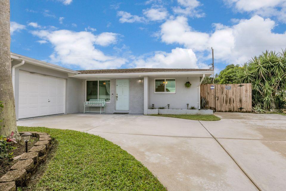 1141 Wynnedale Road West Palm Beach, FL 33417 photo 3