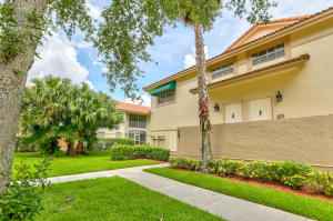 6556  Via Regina   For Sale 10575861, FL
