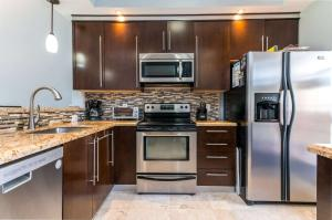 Meadowridge Condo