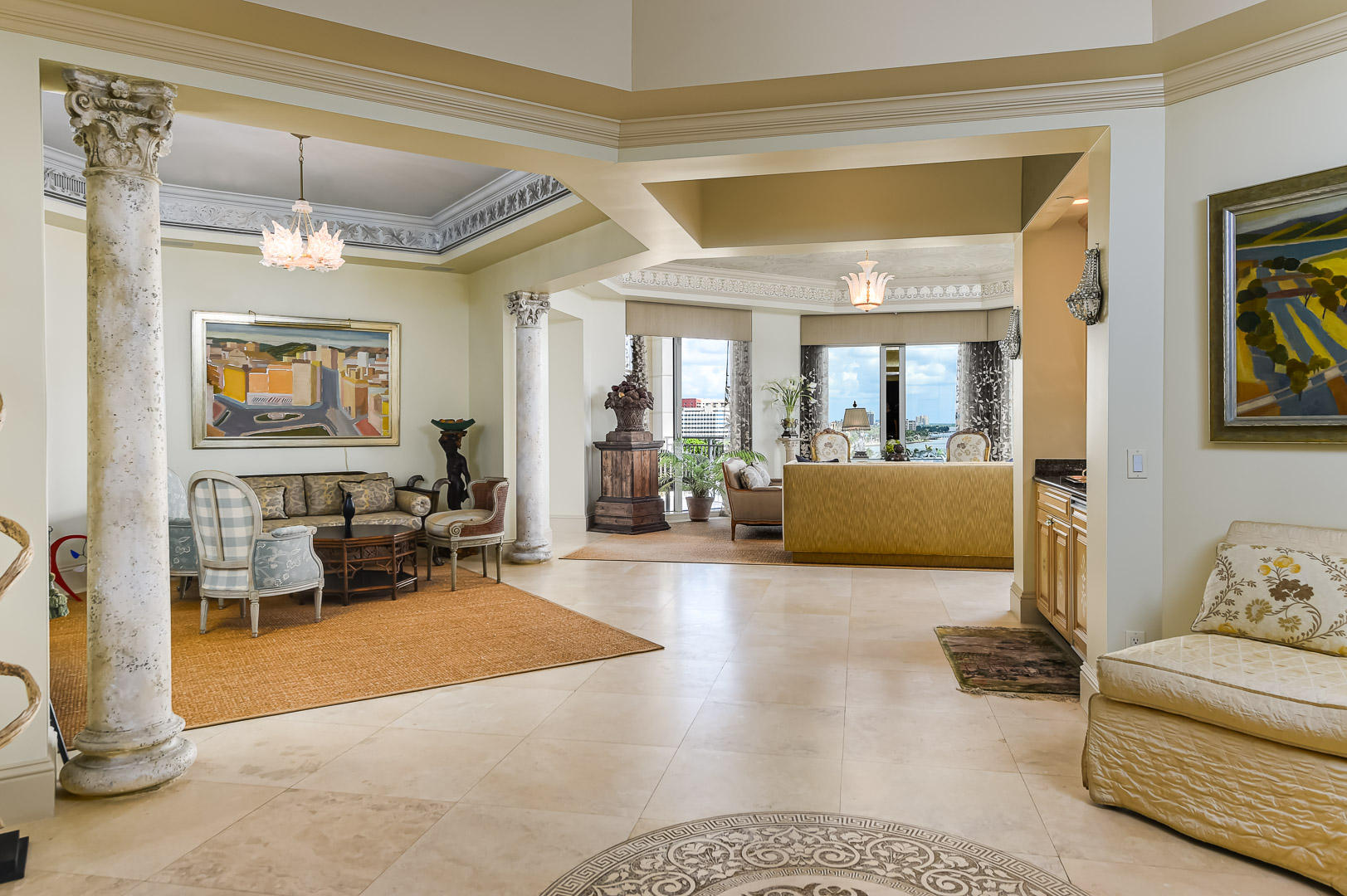 622 N Flagler Drive 701, West Palm Beach FL 33401 is listed for sale as MLS Listing RX-10574429 photo #2