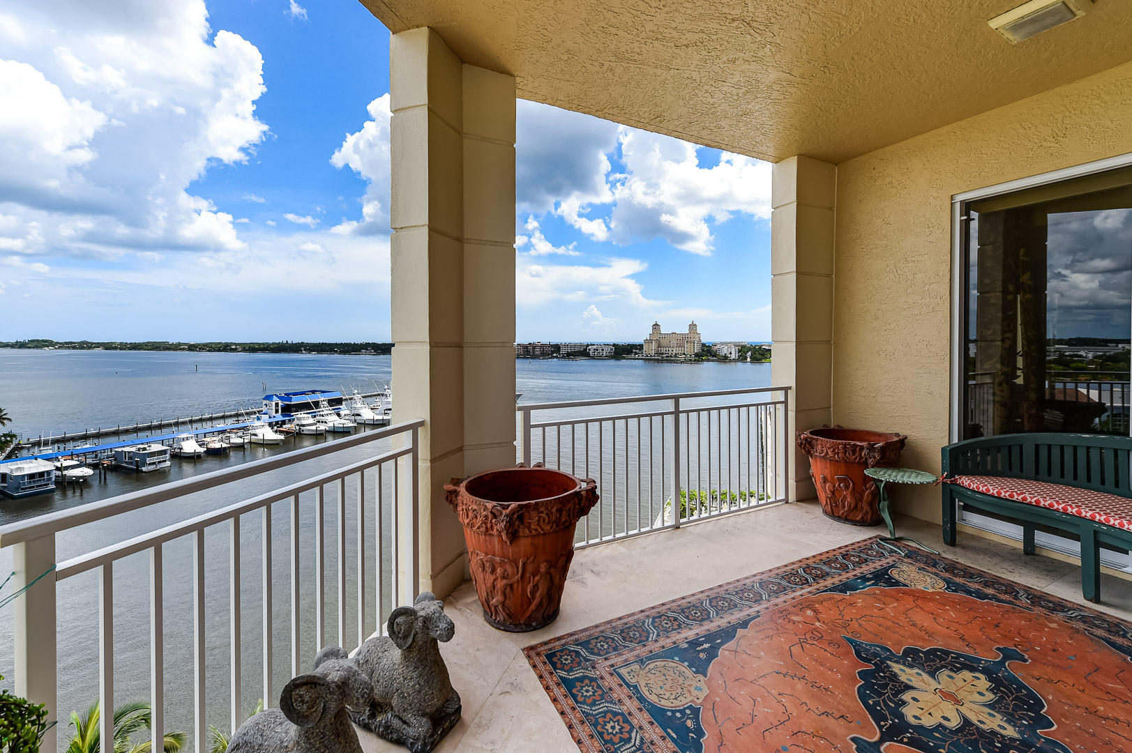 622 N Flagler Drive 701, West Palm Beach FL 33401 is listed for sale as MLS Listing RX-10574429 photo #6