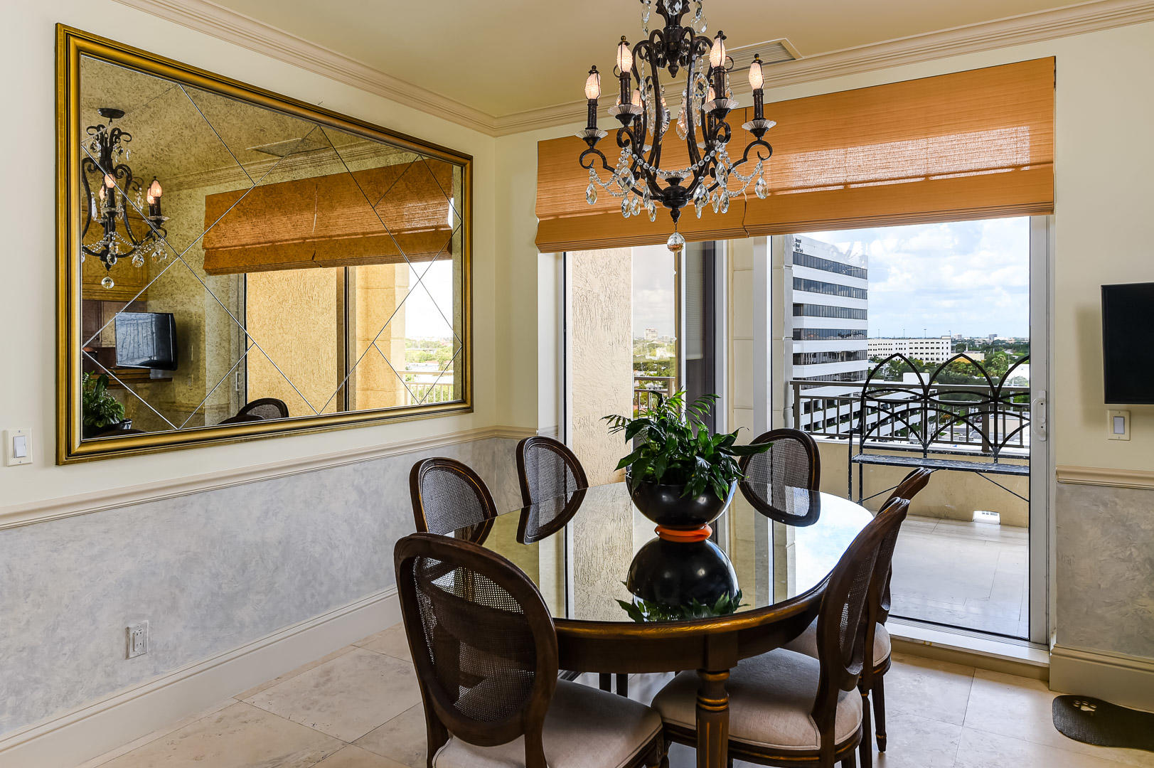 622 N Flagler Drive 701, West Palm Beach FL 33401 is listed for sale as MLS Listing RX-10574429 photo #11