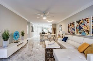 PALM GREENS AT VILLA DEL RAY CONDO II home 13788 Via Flora Delray Beach FL 33484