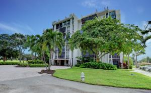 1972  Bridgewood Drive Penthouse For Sale 10575687, FL