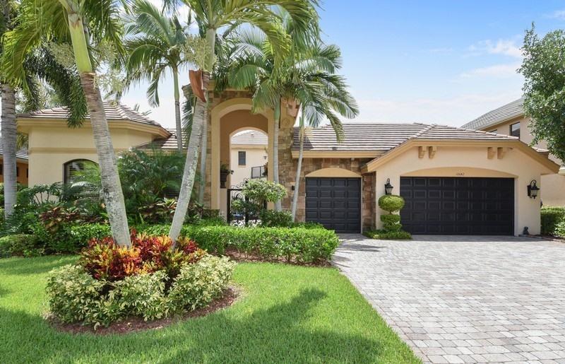 10642 Versailles Boulevard - Wellington, Florida