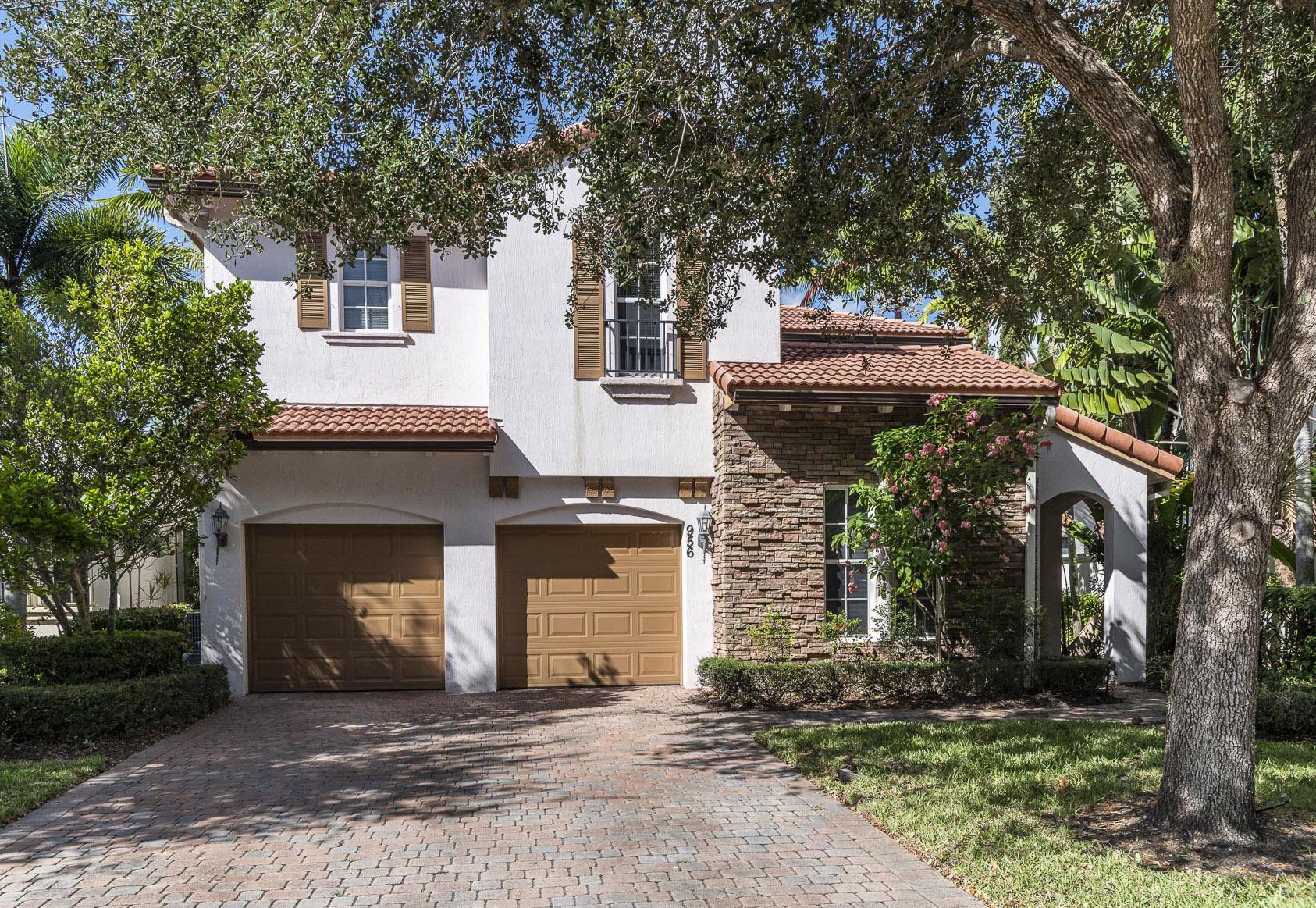 Photo of 956 Mill Creek Drive, Palm Beach Gardens, FL 33410