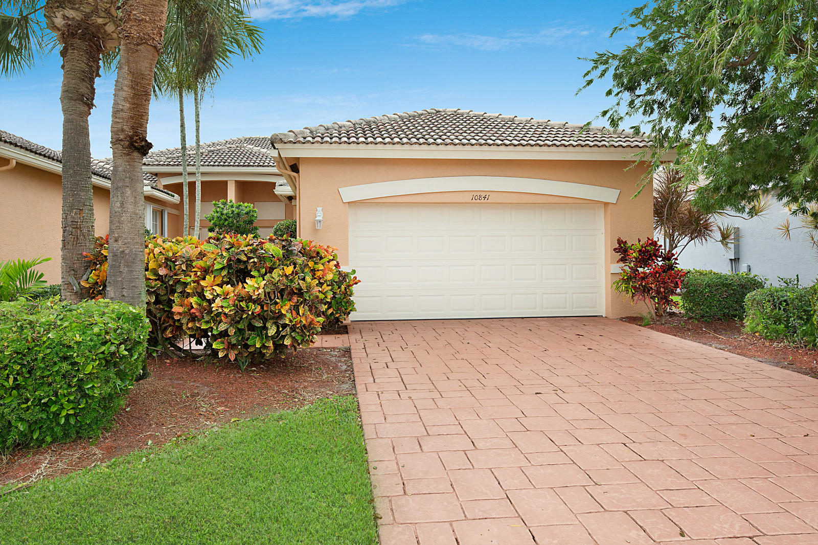 10841 Royal Caribbean Circle Boynton Beach, FL 33437