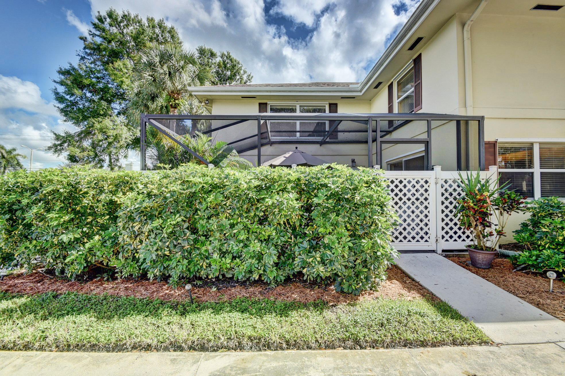 50 Essex Court A Royal Palm Beach, FL 33411