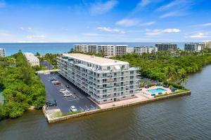 2560 South Ocean Boulevard Condo