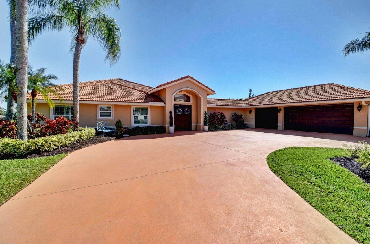 Photo of 4703 Hunting Trail, Lake Worth, FL 33467