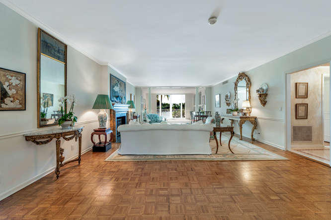 425  Worth Avenue 2b, Palm Beach FL 33480 is listed for sale as MLS Listing RX-10574533 photo #11