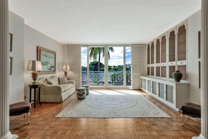 425  Worth Avenue 2b, Palm Beach FL 33480 is listed for sale as MLS Listing RX-10574533 photo #5