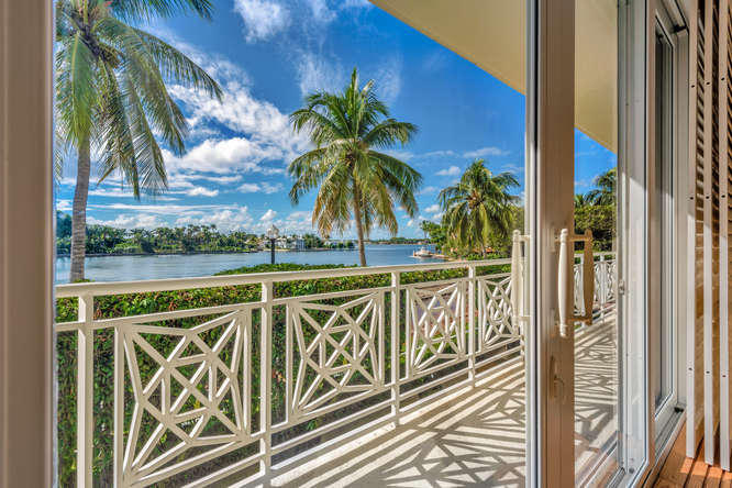 425  Worth Avenue 2b, Palm Beach FL 33480 is listed for sale as MLS Listing RX-10574533 photo #1
