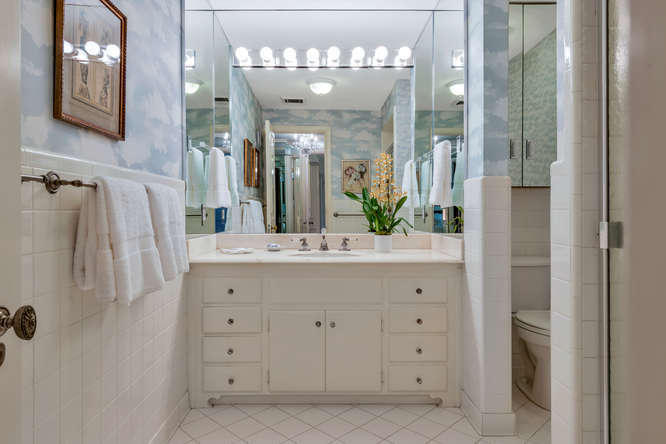 425  Worth Avenue 2b, Palm Beach FL 33480 is listed for sale as MLS Listing RX-10574533 photo #22