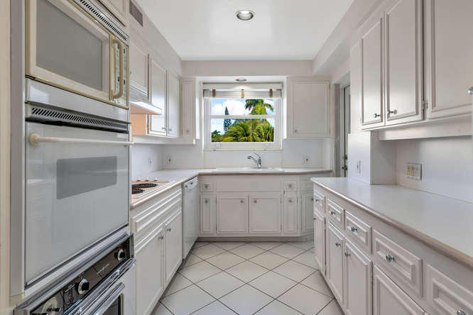 425  Worth Avenue 2b, Palm Beach FL 33480 is listed for sale as MLS Listing RX-10574533 photo #13