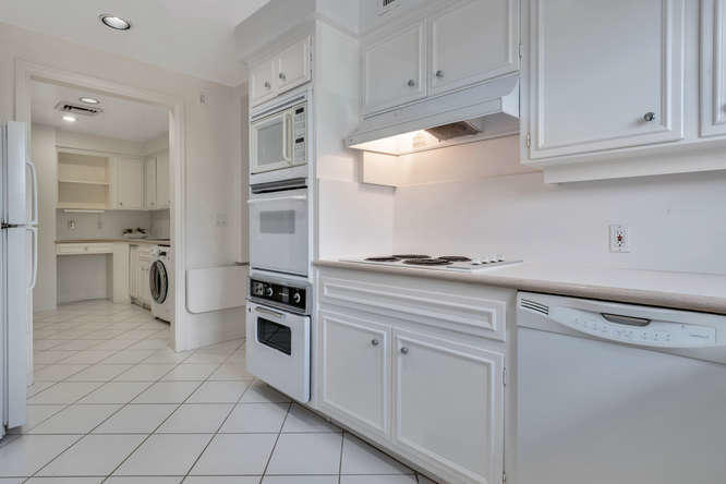 425  Worth Avenue 2b, Palm Beach FL 33480 is listed for sale as MLS Listing RX-10574533 photo #12