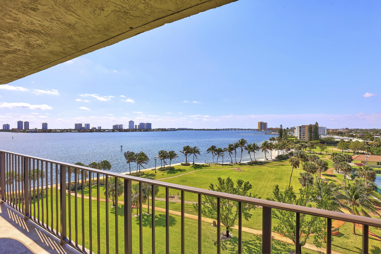 801 Lake Shore Drive, 614 - Lake Park, Florida