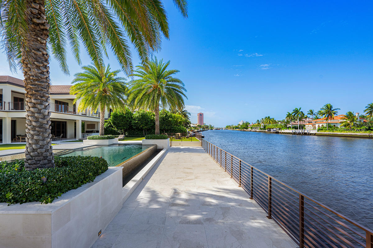 ROYAL PALM YACHT & COUNTRY CLUB LOT 39 & SOUTH 1/2 OF LOT 40 BLOCK 13