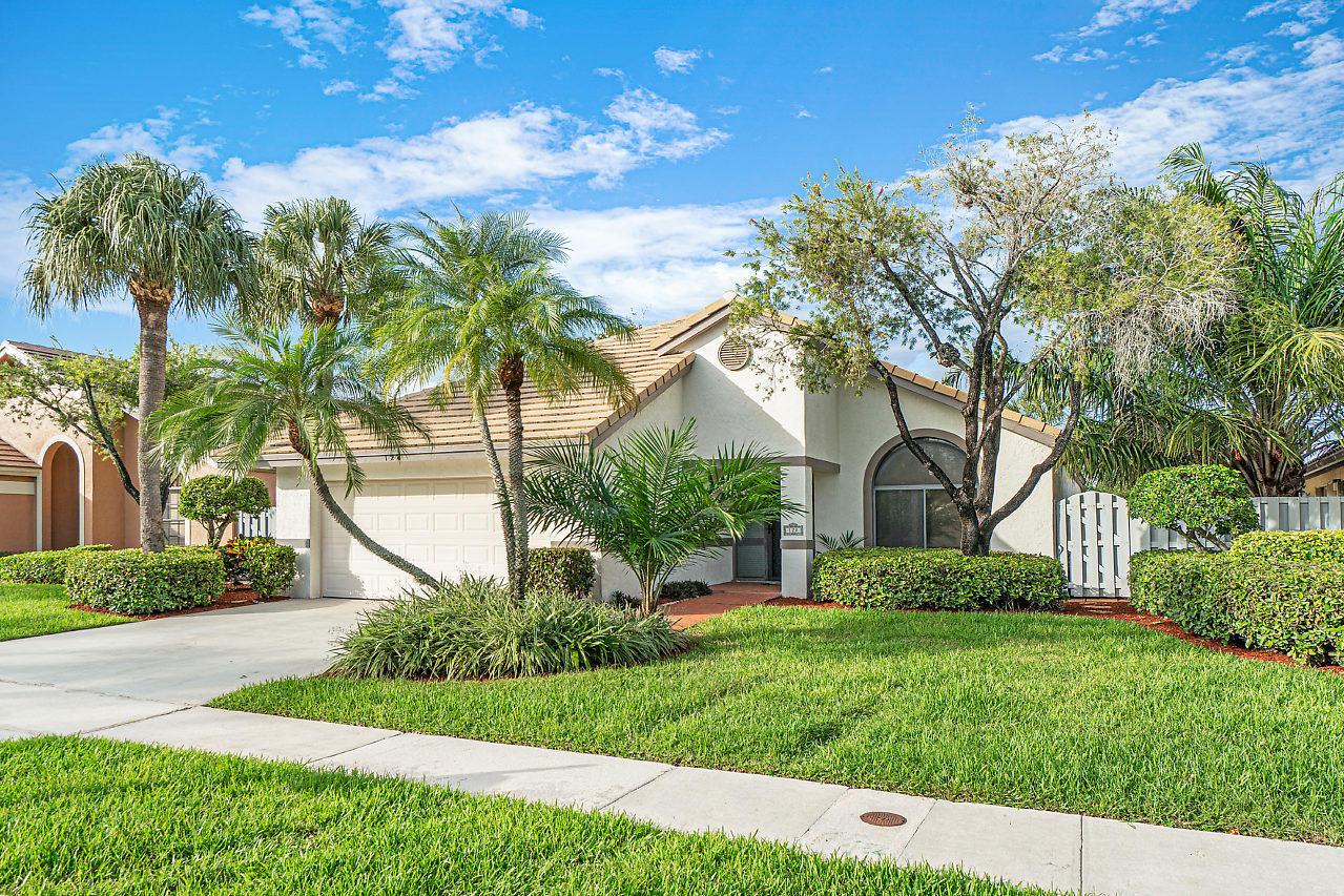 128 Executive Circle Boynton Beach, FL 33436