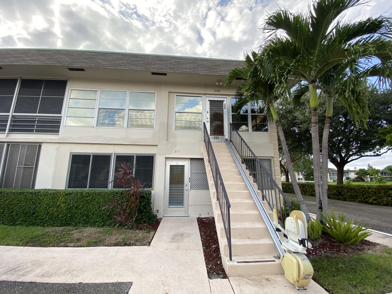 Home for sale in STRATFORD CONDOMINIUM West Palm Beach Florida