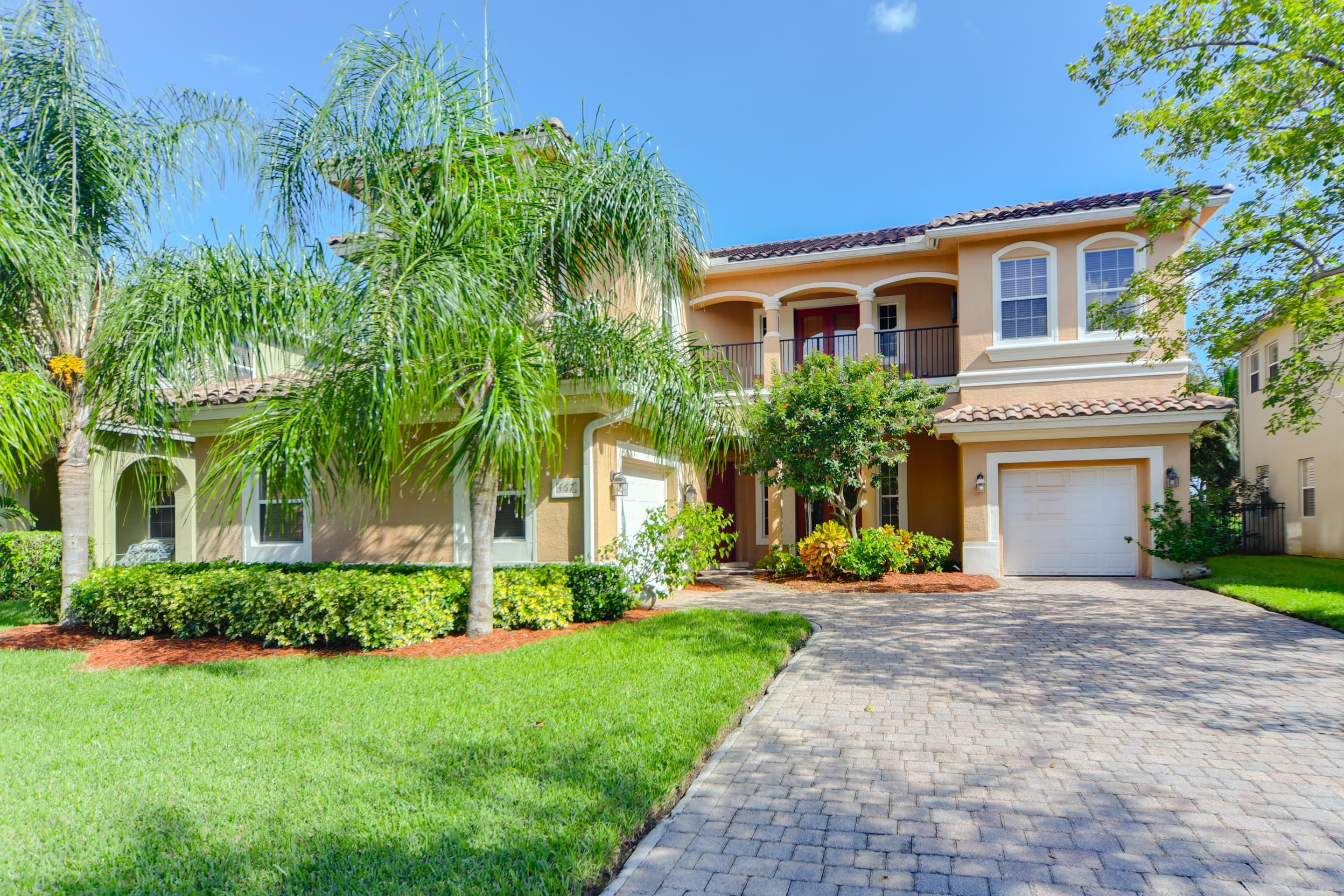 467 Cresta Circle  West Palm Beach, FL 33413