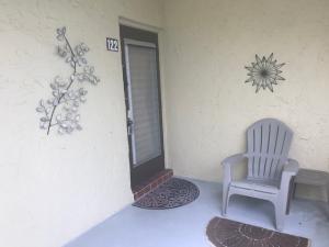 120  Lake Meryl Drive 122 For Sale 10578162, FL